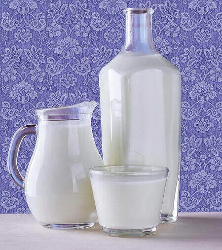 How Many Cups In A Half Gallon Of Milk Cookitive
